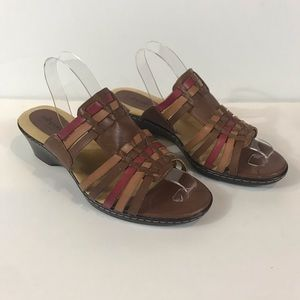 Soft Spots Womens 10w Low Wedge Leather Sandals